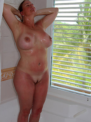 wonderful amateur mature moms