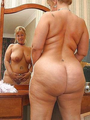 Nasty pics of women naked