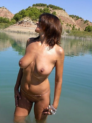 gorgeous mature beach nudes pics