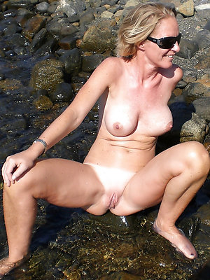curvy naked full-grown lakeshore xxx