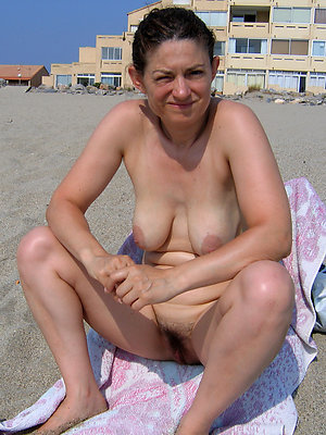free pics be proper of mature women above beach