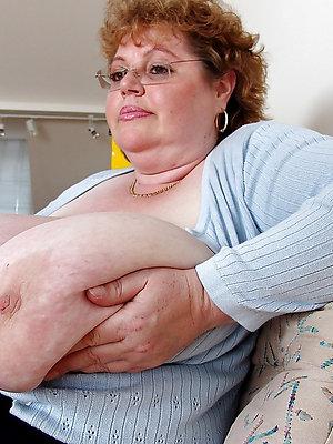 fat titty grown up milf stark naked