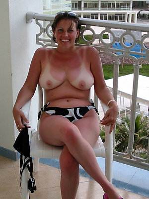naughty mature ladies in bikinis