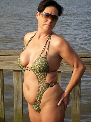 gorgeous mature bikini gallery