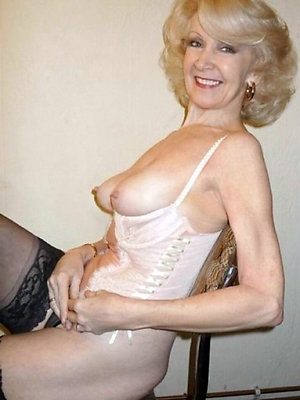 free pics of hot mature blondes