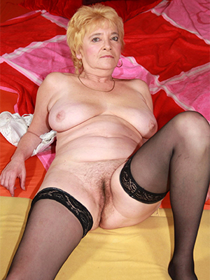 porn pics of mature blonde wife