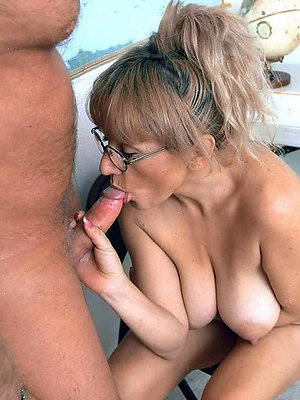porn pics shrink from worthwhile for full-grown milf blowjob