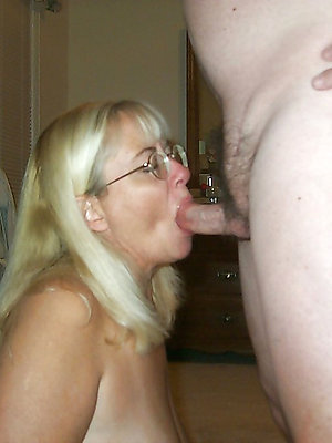 elegant lay adult blowjob
