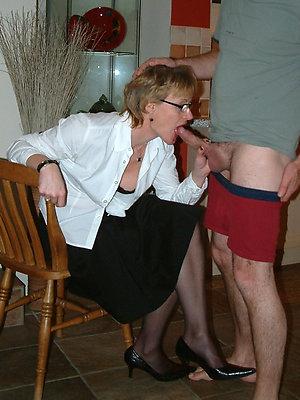 super-sexy matured mom blowjob pics