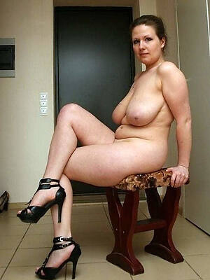 Mature nude pic