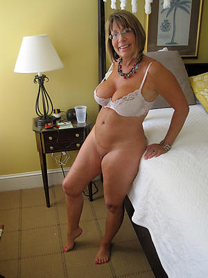 beauties mature milf solo