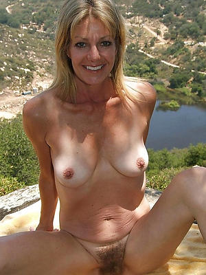 xxx skinny mature solo photos