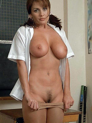 slutty mature woman solo gallery