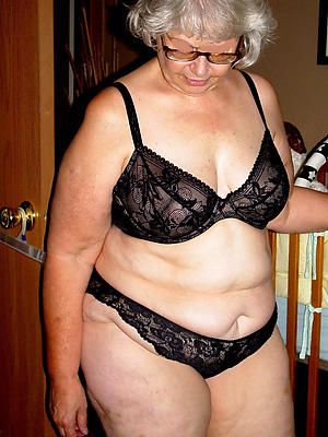 mature older women stripped