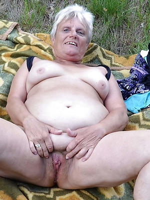 older mature women love porn