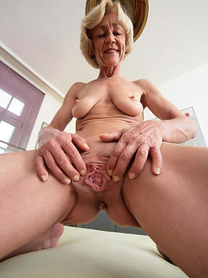 curvy of age experienced column nude