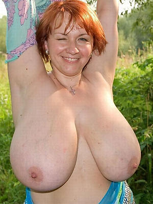 adult fat teat posing unclothed