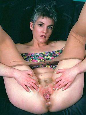 soft cunt adult posing unfurnished