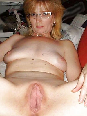 naughty mature hairy cunt pics