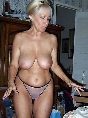 matured floosie wifes posing nude