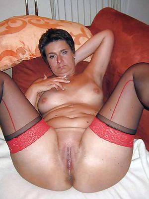 nonconformist matured shaved vagina pics