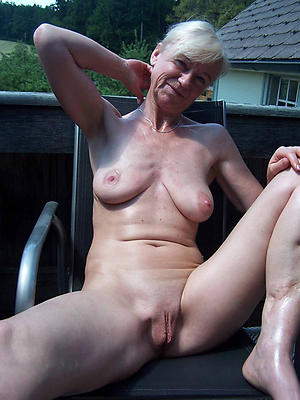 hotties mature shaved vagina pics