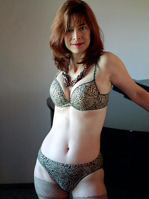 homemade bare-ass mature models mating pics