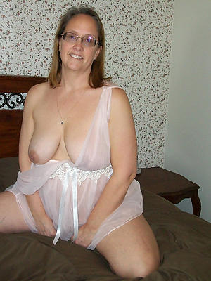 pulchritudinous single mature aristocracy porn pictures