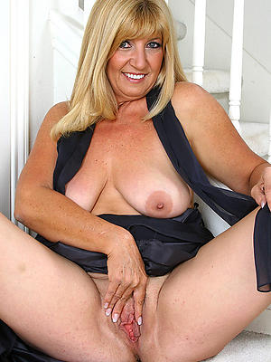 xxx Bohemian mature older women porn pictures