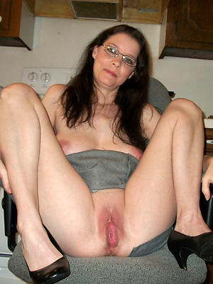 incomparable of age vulva