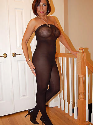 homemade matured body of men nearby nylons