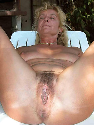 slutty unshaved mature pussy hatless photos