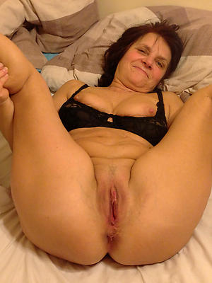 older mature women unshod