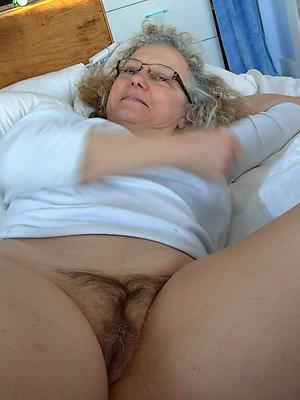 super-sexy grandma is unclad
