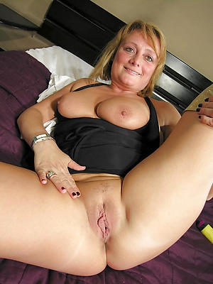 superb matured flimsy vulva porn pictures