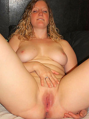 nonconforming adult down in the mouth vulva mating pics