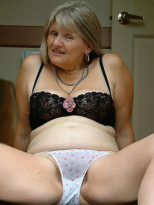 gorgeous mature women in panties porn pics