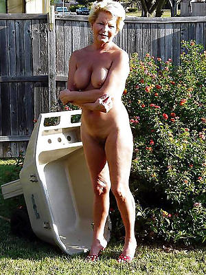 extravagant unmask old lady pussy pics