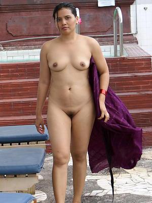 grown-up indian women nude posing