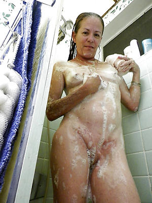 porn pics of mature women in the shower