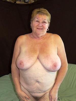 lovely grandmas bare-ass
