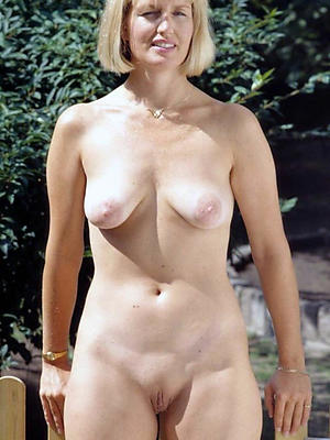 beautiful natural mature milf porn pictures