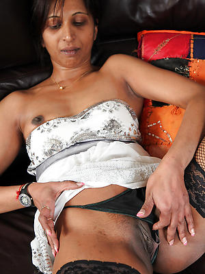 porn pics be worthwhile for grown-up indian milf