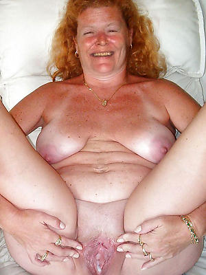 xxx unconforming grown up redhead pussy