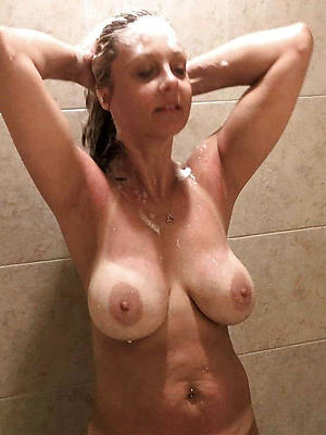 gorgeous milf in the shower nude pics