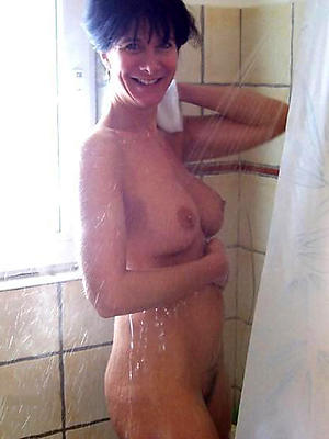 unconforming pics be advantageous to milf shower porn