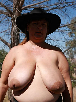 beautiful chubby mature pictures