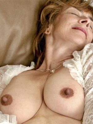 grown-up pine nipples nude pics