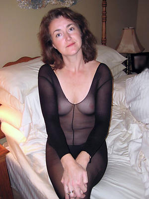 lovely matured pussy with reference to nylons bare portico