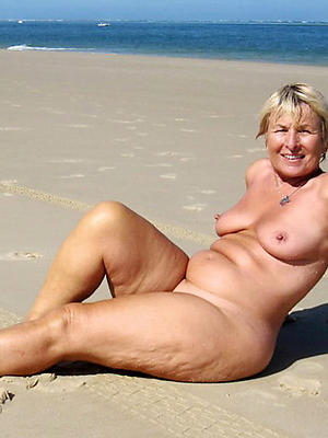 xxx free mature exposed beach photos